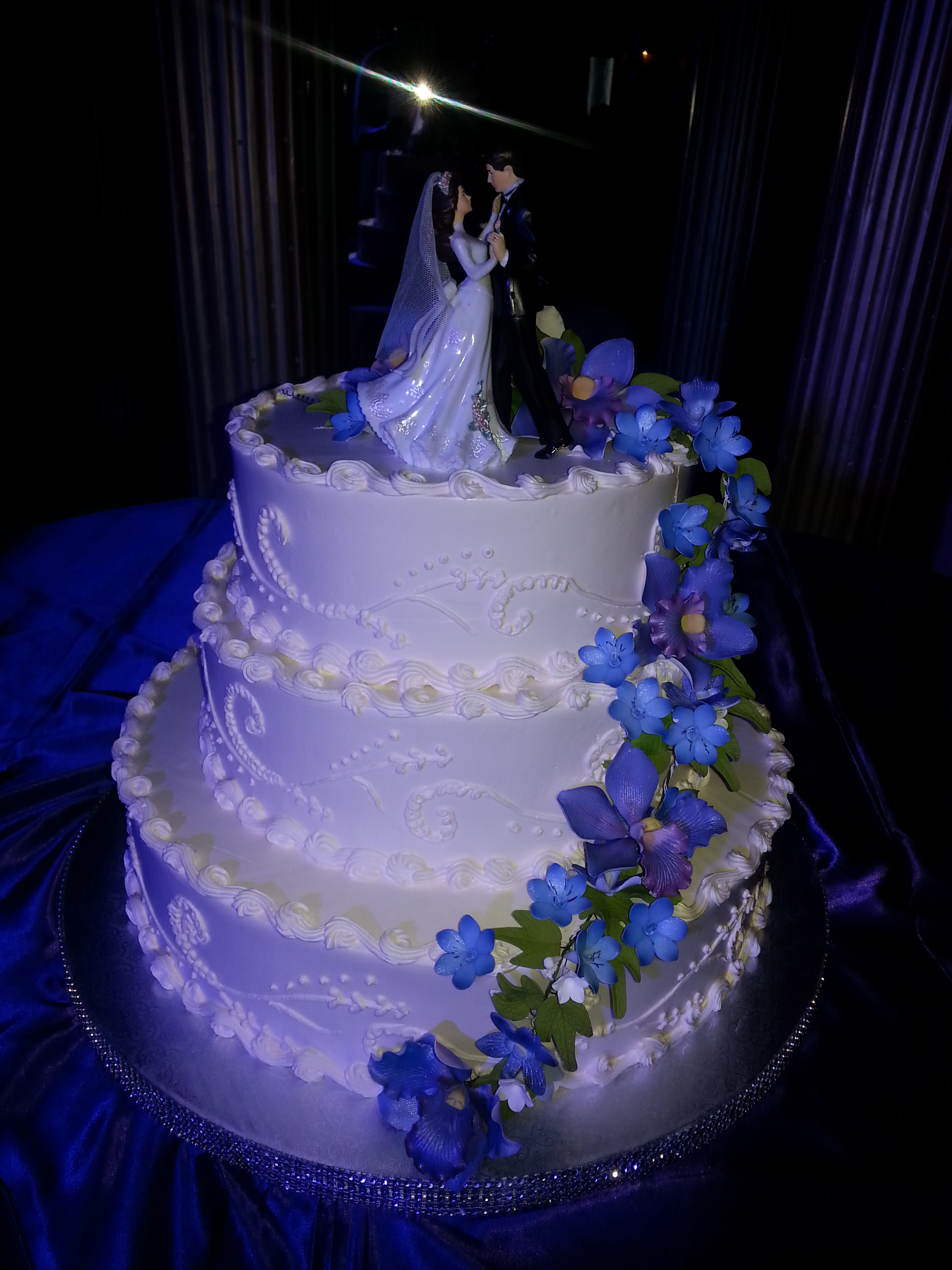 whipped frosting wedding cake wedding and quinceanera patty s sweet delights 27179